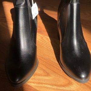 NWT BRASH Women's Booties 8
